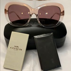NWT Coach sunglasses. Exquisite flower on sides.
